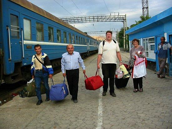 Aankomst op het station van Tjulkebas