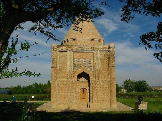 Foto van het Aisha-Bibi mausoleum in Kazachstan