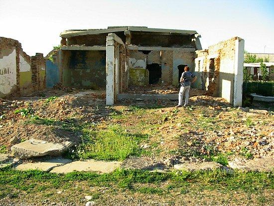 Het gesloopte badhuis van Zhabagly