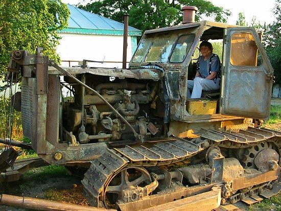 Beppe in de S100 bulldozer