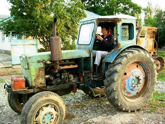 Beppe in de T40 tractor
