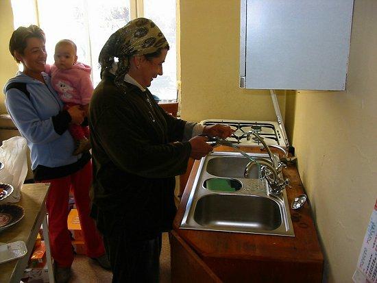 Lint wordt doorgenipt voor ingebruikname van warm water