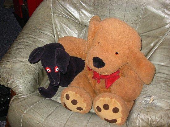 Joep gearmd met zijn zwarte vriendinnetje Snuitje