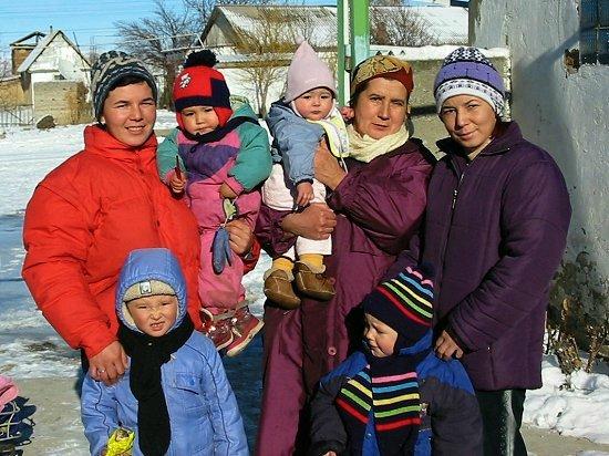 Gulnara, Bigsultan, Nathalie, Nathasha, Diana, Machabat en Alexei