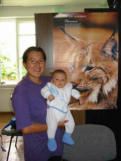 Nathalie en mamma in het kantoor van het natuurreservaat