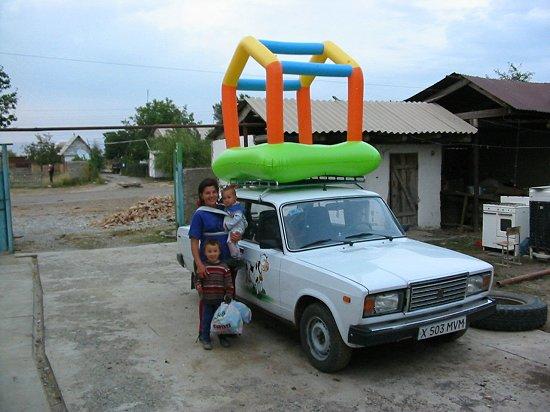 Het speelhuisje voor Machabat en Bigsultan