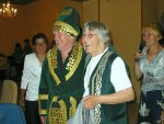 Traditionele kleding als present