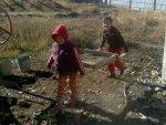 Isabel en Nathalie als bouwvakkers