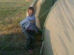 Nathalie met kampeerstoeltjes