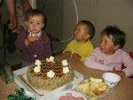 Nathalie met verjaardagstaart