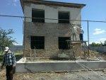 Stuclaag van de muren wordt verwijderd